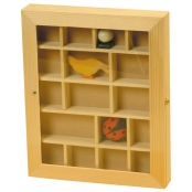 Vitrine 17 cases miniatures en bois